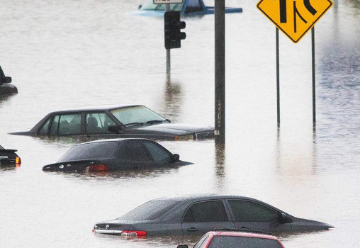 Chuvas e enchentes. Como proteger seu carro!